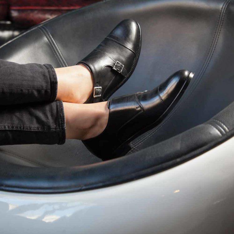 Zapato monk negro de doble hebilla para mujer June Black hecho a mano en España hecho a mano en España por Beatnik Shoes