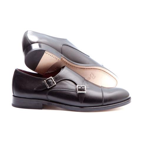 zapato monk de mujer negro Hecho a mano en España en suave piel de becerro por Beatnik Shoes