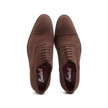 Zapato estilo Oxford de ante marrón para hombre Beatnik Corso hecho a mano en España por Beatnik Shoes