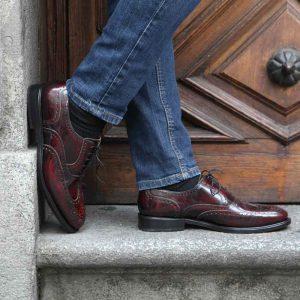 Zapato de cordones Oxford brogue burdeos para hombre Holmes Burgundy por Beatnik Shoes