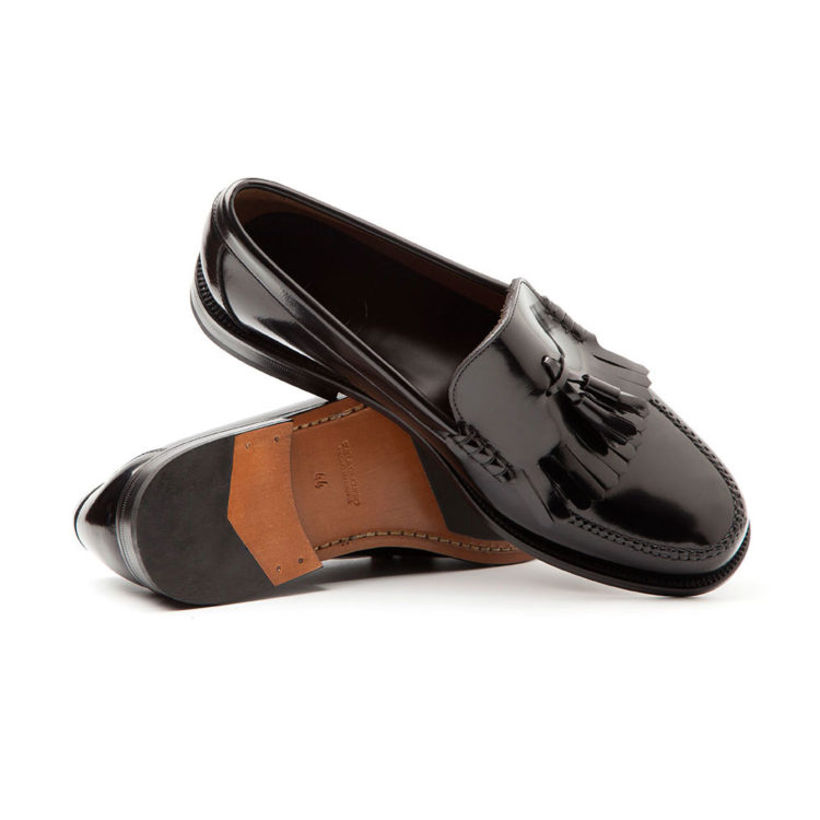 Black leather moccasin for men Ginsberg. Handmade in Spain by Beatnik Shoes