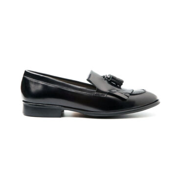 Handmade black tassel loafer for women Tammi Black by Handmade in Spain by Beatnik Shoes