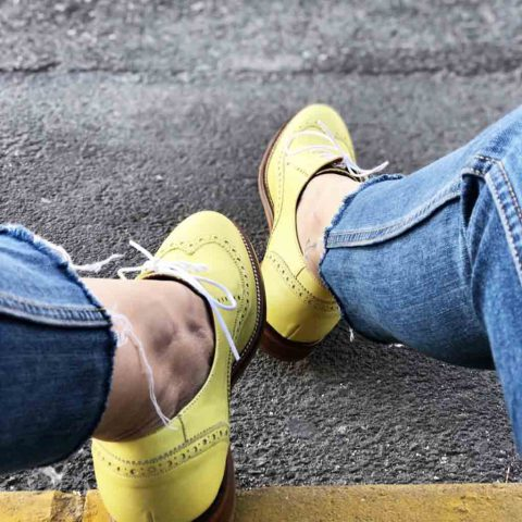 Zapato estilo Oxford Amarillo de mujer Ethel Lemon Yellow hecho a mano en España por Beatnik Shoes