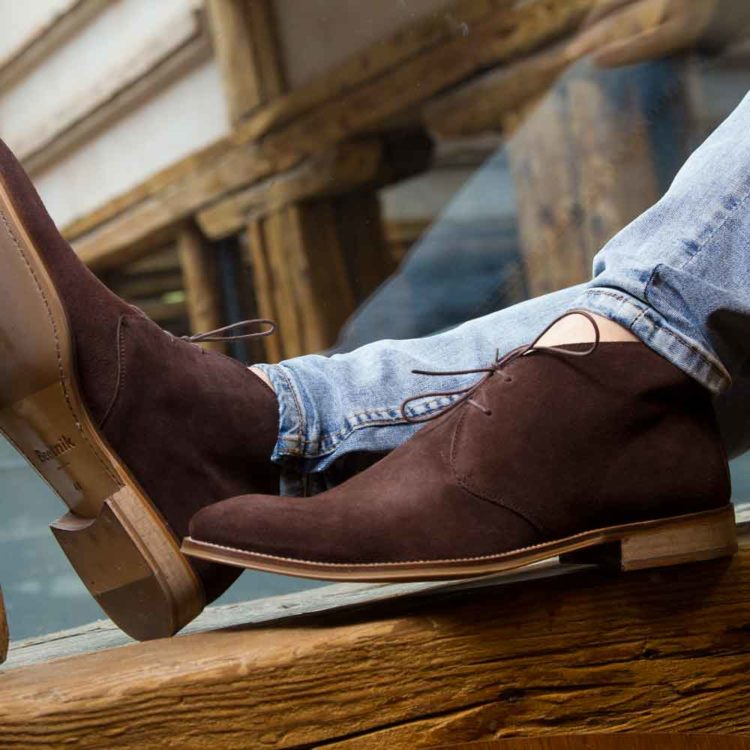 Botín desert en ante marrón Kenneth hecho a mano en España por Beatnik Shoes