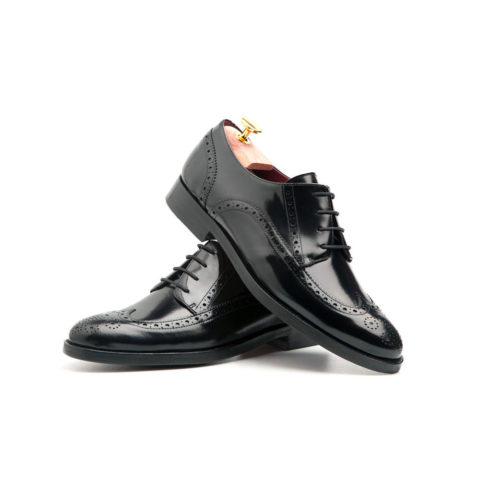 Bluchers de mujer en piel negra por Beatnik Shoes