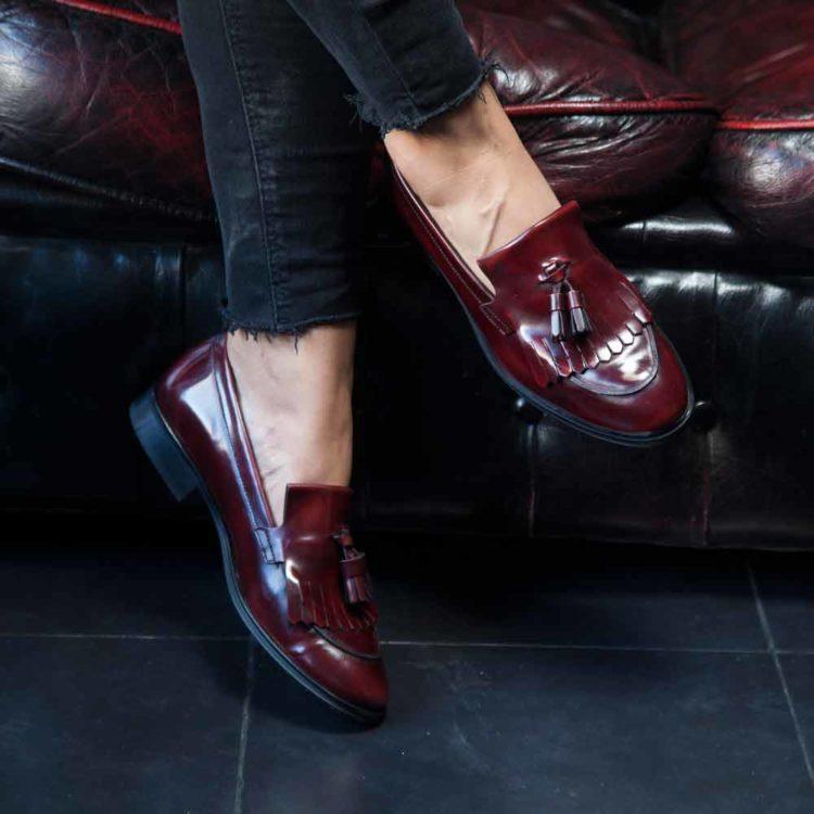 Castellanos rojos de mujer con borlas Tammi Red por Beatnik Shoes