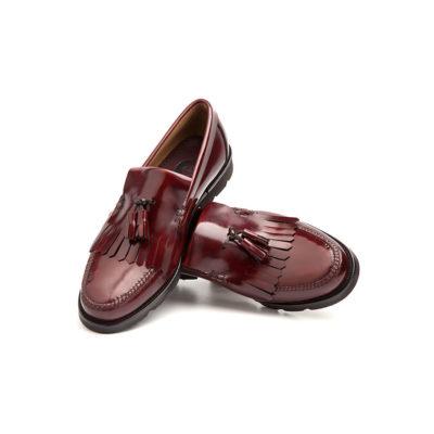Mocasines flecos y borlas Henry burgundy por Beatnik Shoes