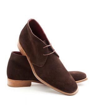 Kenneth desert boot de hombre en ante marrón por Beatnik Shoes