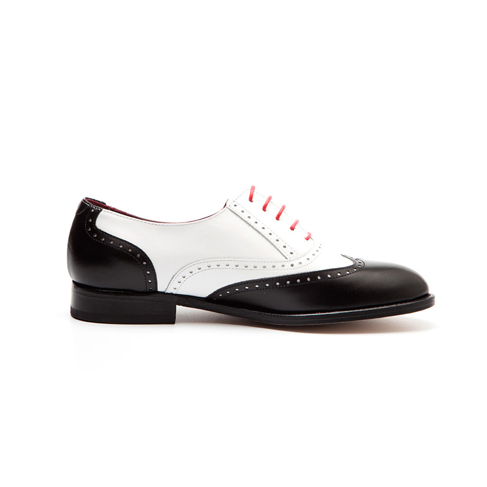 6a6dee48b2e8 Two-tone Black and White Oxford style Shoes for women Lena BW Handmade in  Spain
