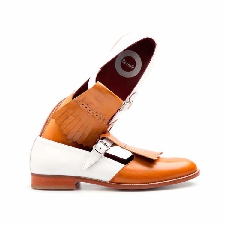 Zapato de hebillas bicolor marrón y blanco Brenda