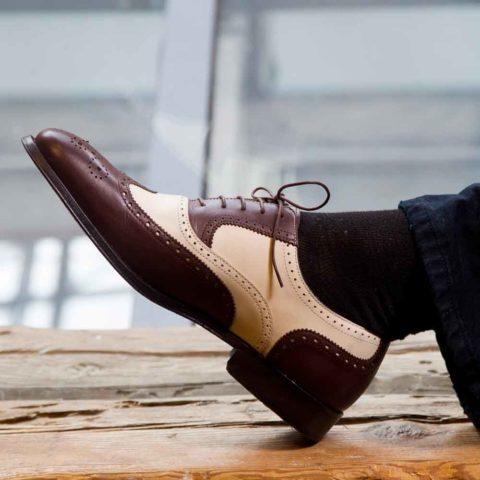 Zapatos Oxford bicolor marrón y beige para hombre Holmes Beige & Brown hecho a mano por Beatnik Shoes