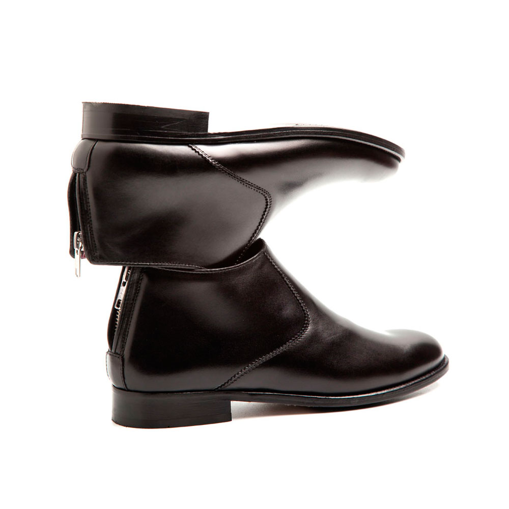 8cca43a985d0 Black leather low heel ankle boots Astrud Black Handmade in Spain by  Beatnik Shoes