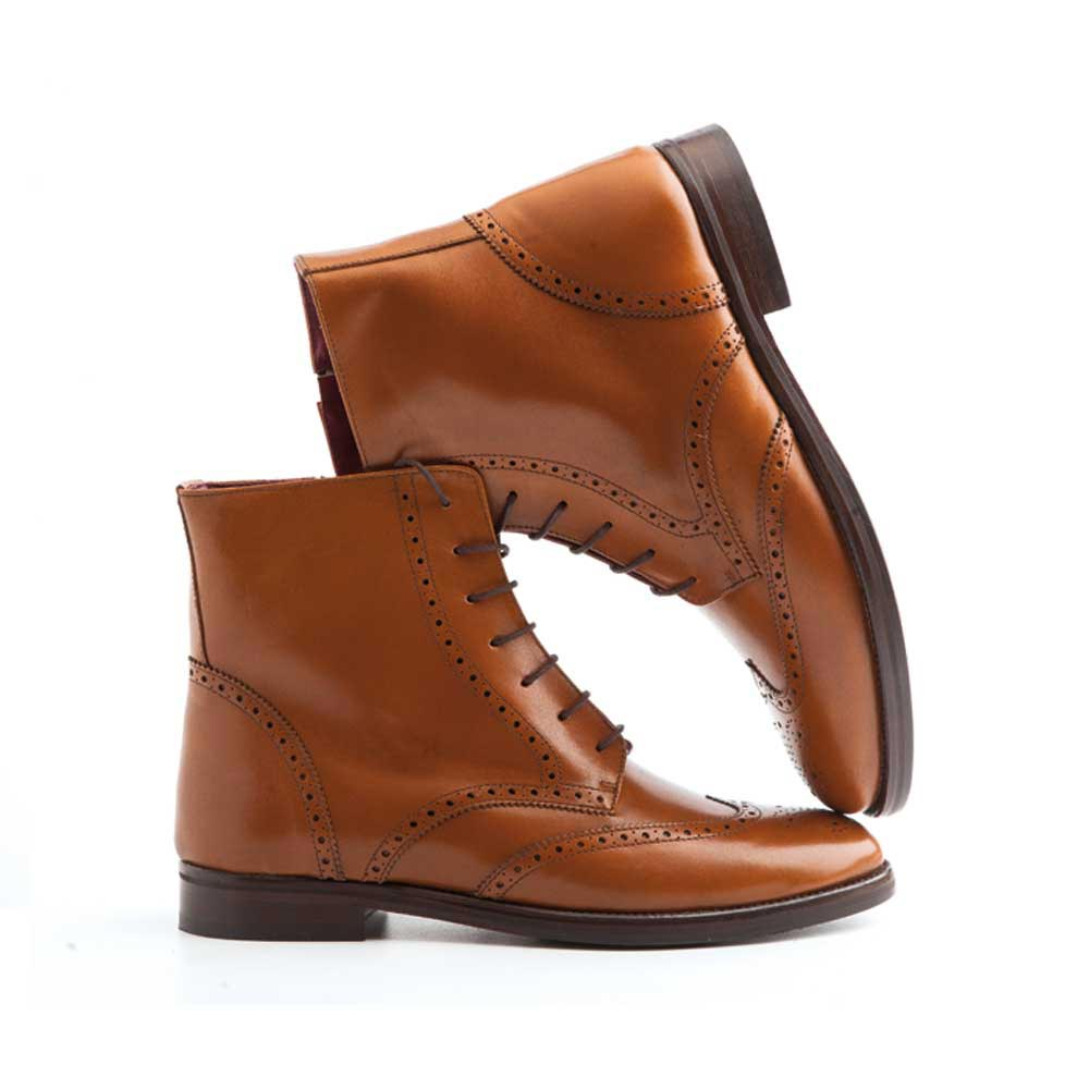 Brown leather Oxford brogue boots lace