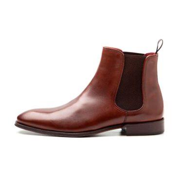 Handmade Chelsea boots in brown calf