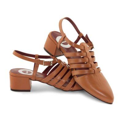 Sandalia cangrejera marrón claro de tacón medio por Beatnik Shoes