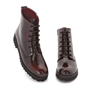 Burgundy combat ankle boots for women in genuine leather Joan. Handmade in Spain by Beatnik Shoes