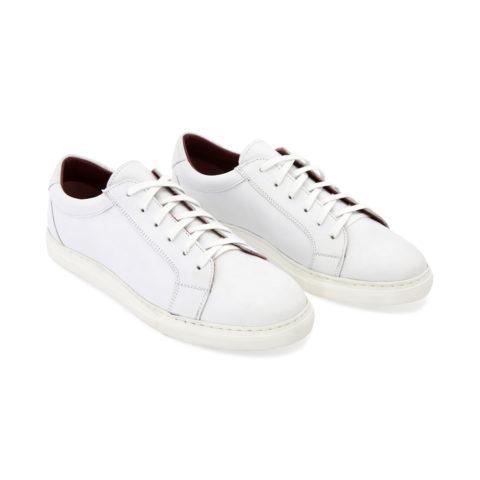 Zapatillas blancas de piel estilo formal para hombre y mujer Harper White hechas a mano en España por Beatnik Shoes
