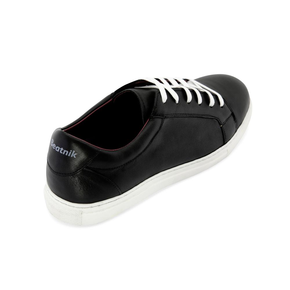 56c868a8f2 Zapatillas de piel bicolor blancas y negras para hombre y mujer estilo  formal Harper Black and. Trainers de piel bicolor unisex hechas a mano en  España ...