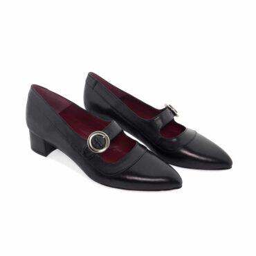 Zapato negro de tacón medio hecho a mano en España Sylvie Black
