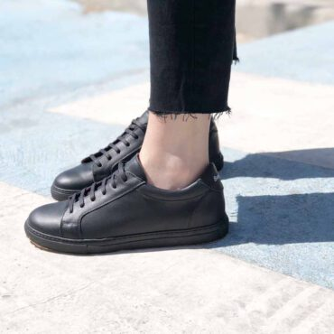Beatnik Harper black leather casual smart sneakers for men and women handmade in Spain by Beatnik Shoes