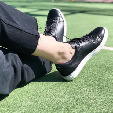 THarper Two-tone black and white leather trainers business casual for men and women Handmade in Spain by Beatnik Shoes