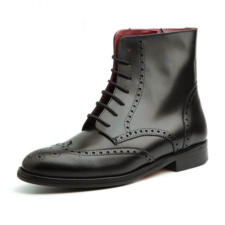 Black leather laced and low-heeled zipper boots for women. Beatnik Barbara Black Handmade in Spain by Beatnik Shoes