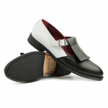 Zapato monk para mujer en piel bicolor blanca y negra hecha en España Beatnik Brenda BW