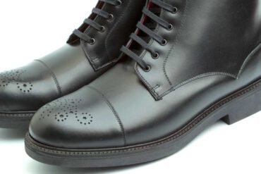 Black leather lace-up boots with rubber sole for men Handmade in Spain by Beatnik Truman Black