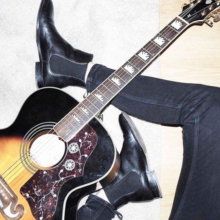 Handmade in Spain black Chelsea booties for women Beatnik Carla