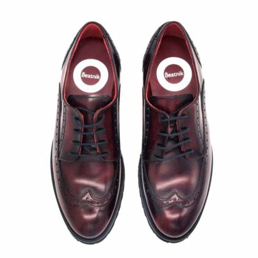 Classic Oxford style flat shoes for women in burgundy leather Beatnik Ethel Red Brogue