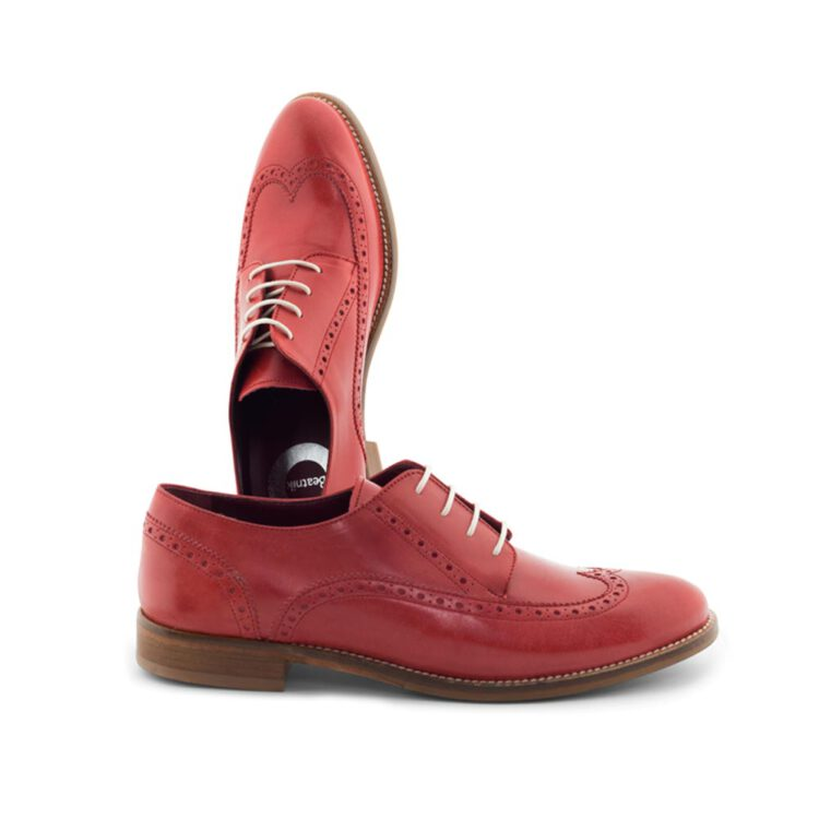 Lace-up Derby shoes for women in red leather handmade by Beatnik Shoes