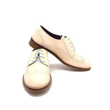 Zapatos de cordones Beatnik Ethel Beige para mujer hechos a mano en España por Beatnik Shoes